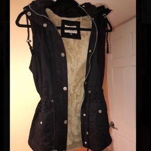 Black YMI Vest with Removable Hood- Fur Inside